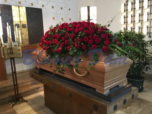 Sargdecke ca. 150 cm rot Rosen