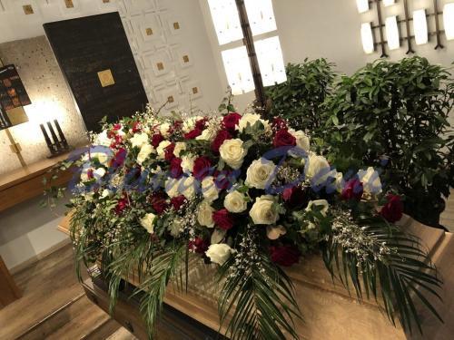 Sargdecke ca. 150 cm rot-weiß Rosen